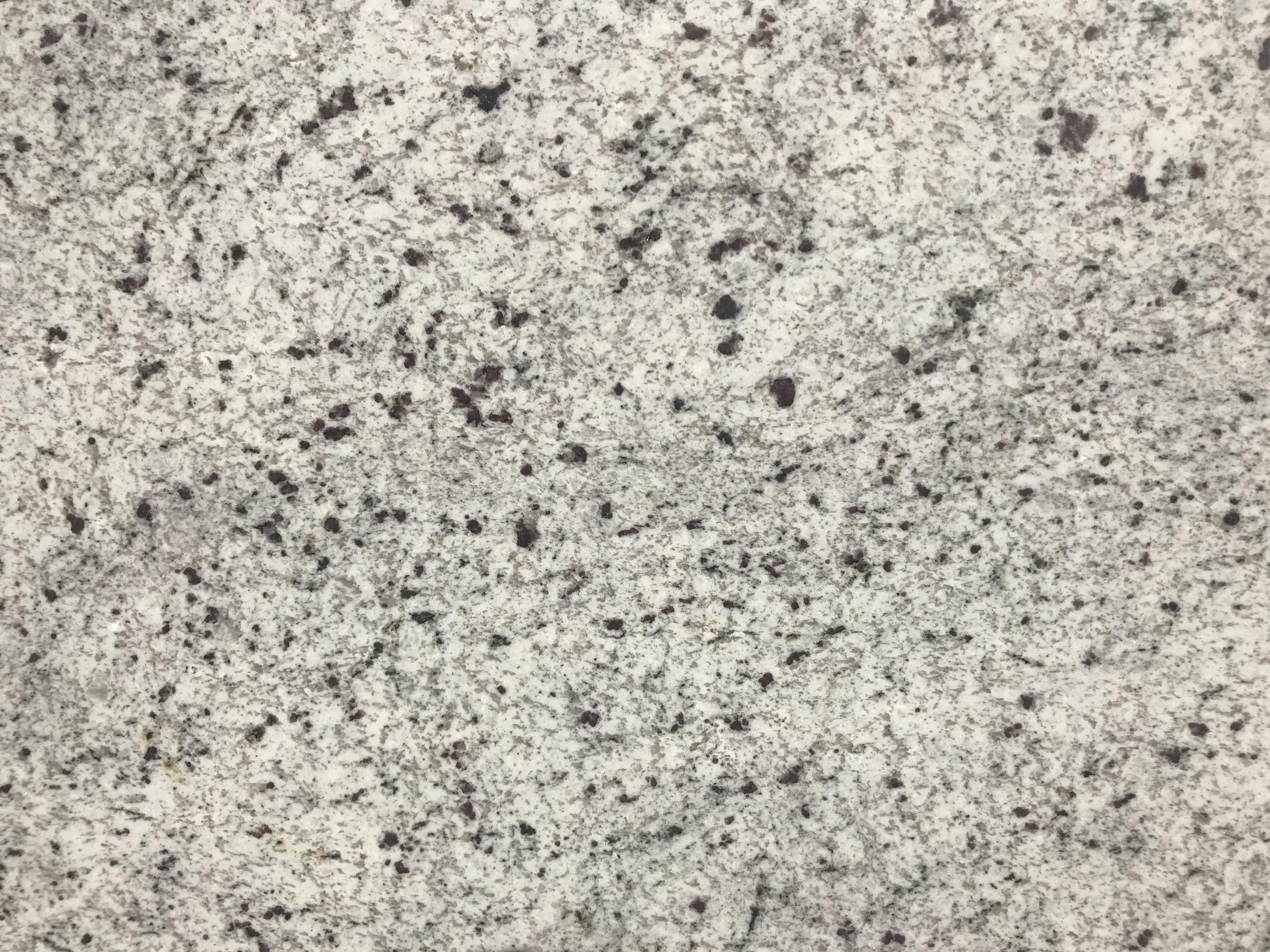 New Kashmir White 3cm